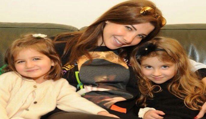 صور مول دبي واستقبال خاص لبنات نانسي عجرم