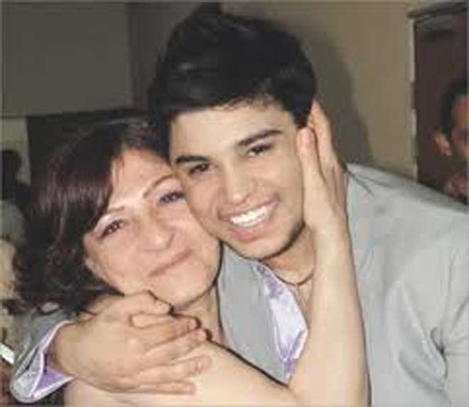 رامي الشمالي مع والدته