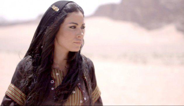 صبا مبارك بفستان شفاف يُعرضها للانتقادات