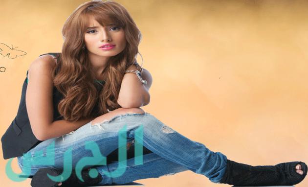 بالصور: الظهور الأول لزينة بعد براءة عز!