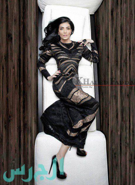 بالصور: حورية فرغلي تكشف عن جسدها بفستان شفاف