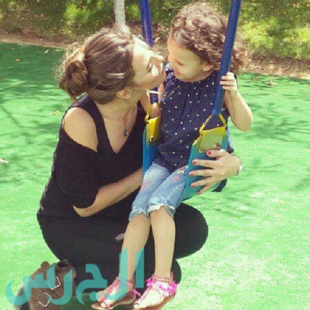 إيمان العاصي وابنتها ريتاج (11)