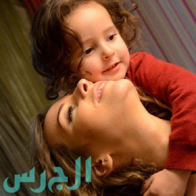 إيمان العاصي وابنتها ريتاج (14)