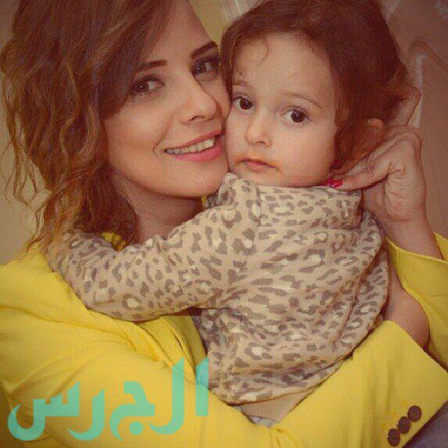 إيمان العاصي وابنتها ريتاج (16)