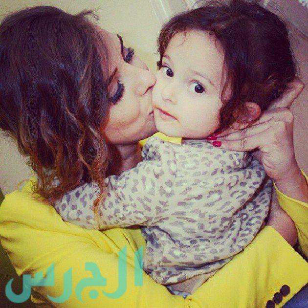 إيمان العاصي وابنتها ريتاج (17)