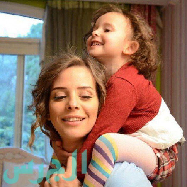 إيمان العاصي وابنتها ريتاج (18)