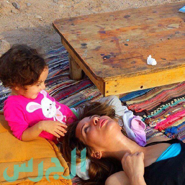 إيمان العاصي وابنتها ريتاج (22)