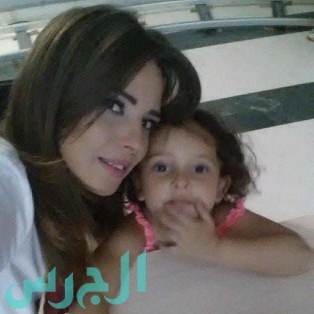 إيمان العاصي وابنتها ريتاج (9)