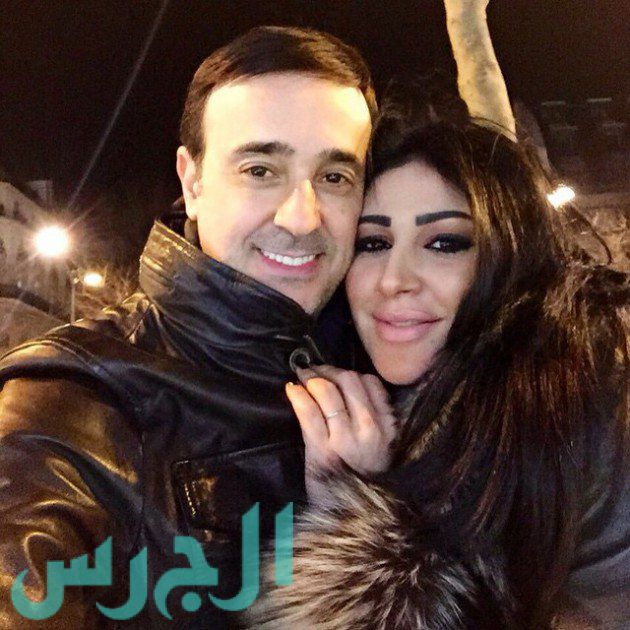 بالصورة: صابر الرباعي وزوجته يحتفلان بميلاد والدته