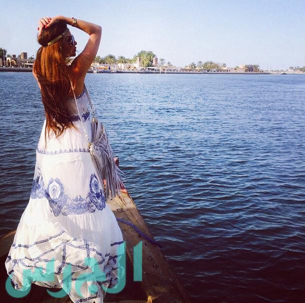 لاميتا فرنجية بغاية الجمال على البحر