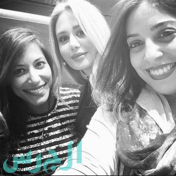 داليدا عياش تتفوق جمالاً على صديقاتها