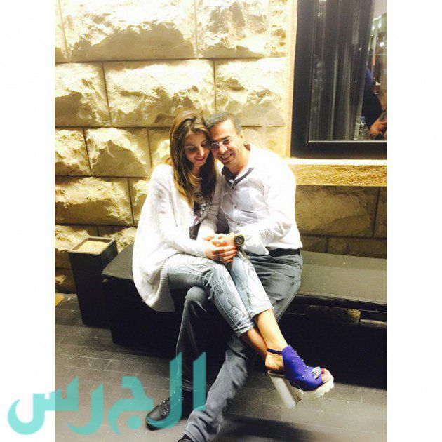 بالصورة: لقطة رومانسية لأنابيلا وزوجها