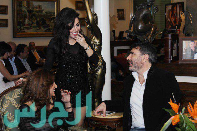الدكتور رائد لطوف وزوجته وسارة