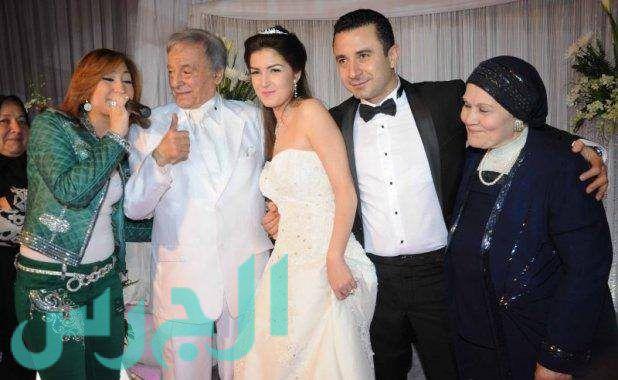 بالصورة: زوجة أحمد سعيد عبد الغني وجمال هادئ!