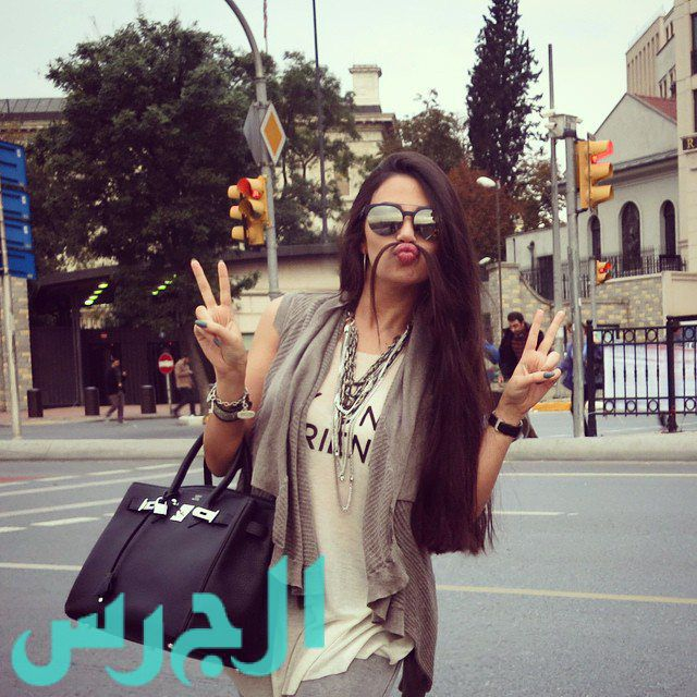 جيهان شقيقة ميريام فارس وشنبات من شعرها