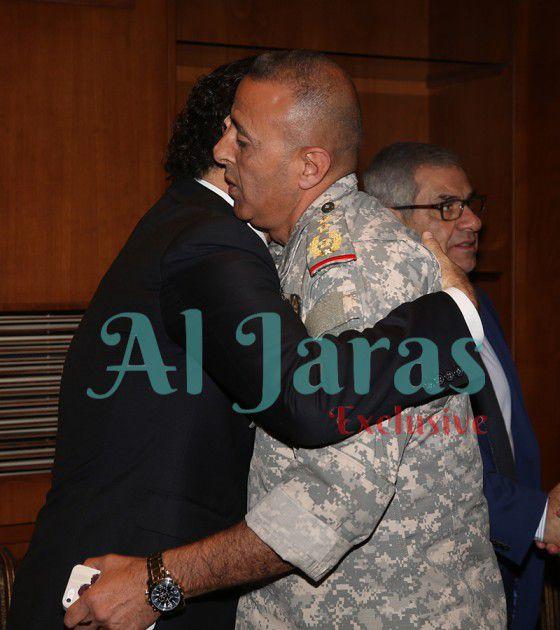 رئيس فوج مغاوير البحر العقيد الركن محمد المصطفى معزياً