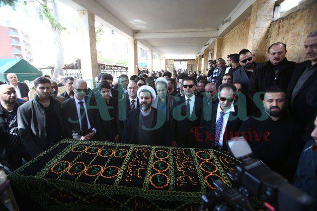 الجثمان في المسجد