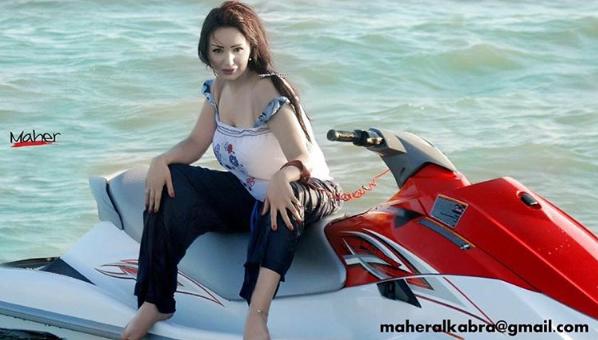 دينا هارون في عرض البحر