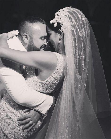 ريما فقيه تحضن زوجها