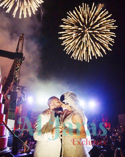 قبلة الزفاف والمفرقعات تملأ المكان