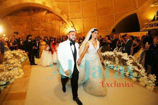 ريما ووسام يدخلان الكنيسة
