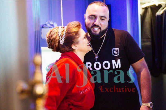 وسام صليبي مع والدته قبل الزفاف