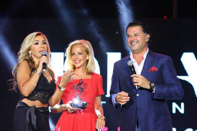 راغب علامة يشعل مهرجانات ضبية الدولية غناءً ورقصاً إلى جانب رئيسة المهرجان كورين الأشقر والاعلامية ميراي عيد