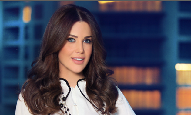 الإعلامية اللبنانية منى أبو حمزة
