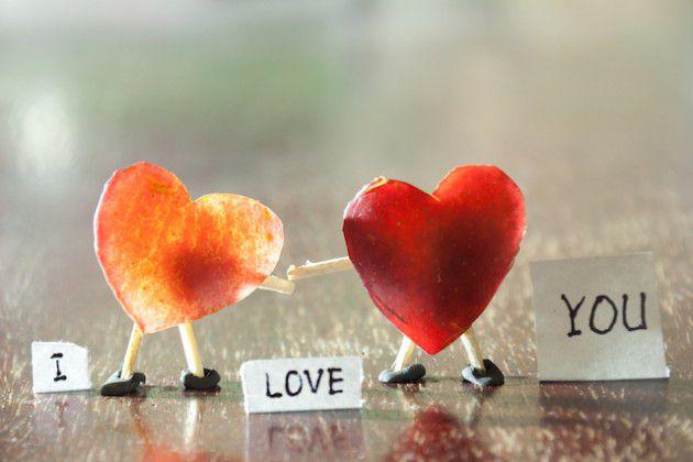 الحب جماليّة تجعل الحياة تستحقّ عناء أن تُعاش