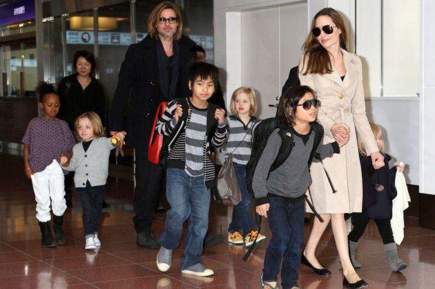 انجلينا جولي طلبت الطلاق لأجل أطفالها
