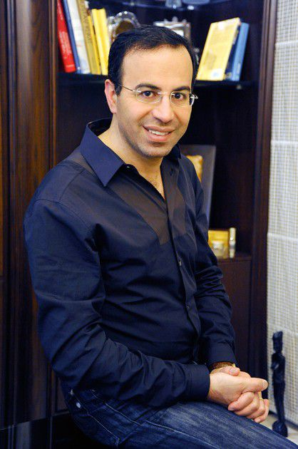 د. التجميل الأهم في الوطن العربي نادر صعب