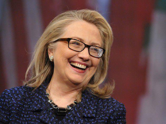 تشير استطلاعات الرأي الحالية أن كلينتون ستكون الفائزة في الإنتخابات