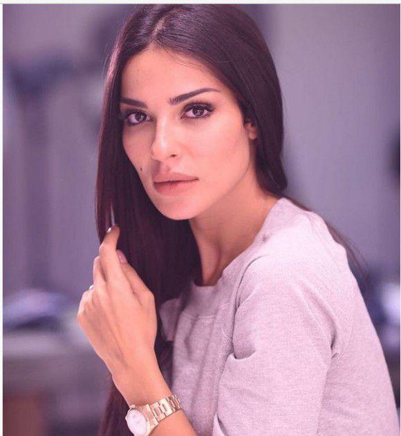 الفنانة اللبنانية نادين نجيم