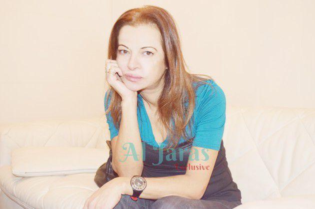 الكاتبة اللبنانية منى طايع