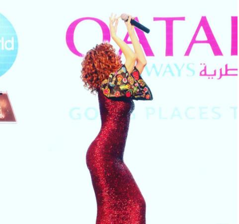 فستان ميريام فارس الذي أظهر تضاريس جيدها
